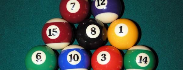 Acertijo de las 8 bolas iguales
